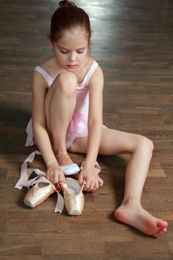 白种人芭蕾舞女演员 库存照片