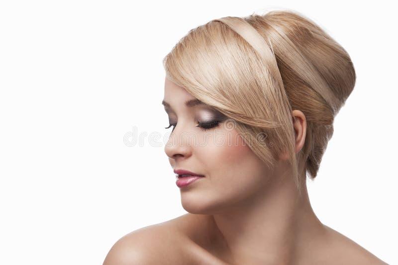 白肤金发的女孩时髦的年轻人 库存照片