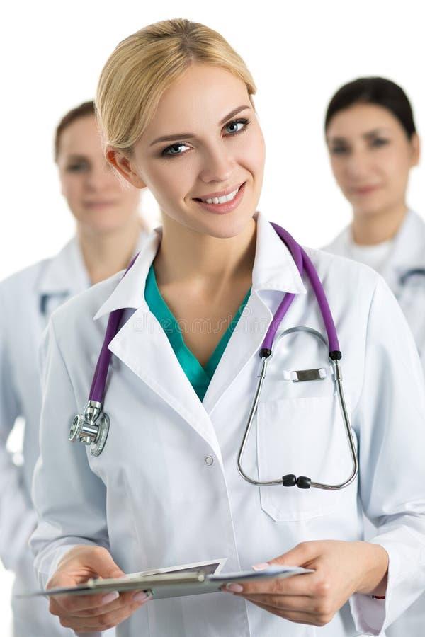 年轻白肤金发的女性医生画象  库存照片