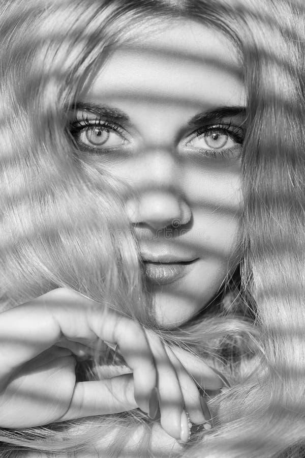 白肤金发的妇女年轻人 库存照片