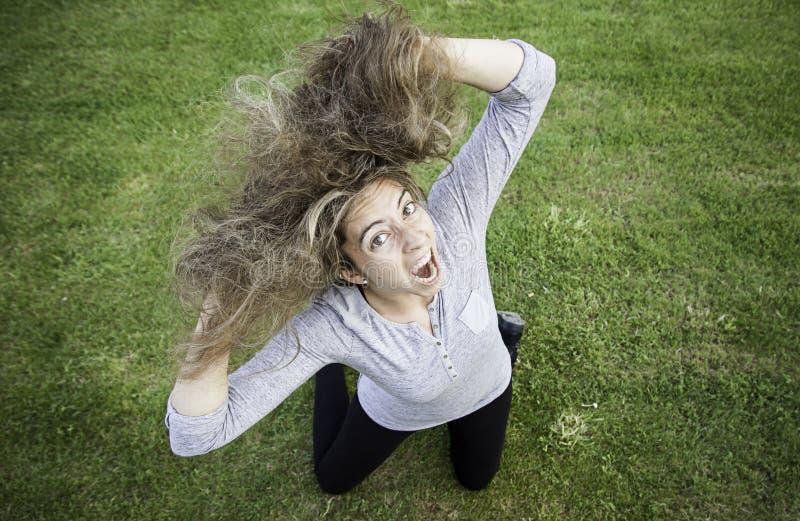 白肤金发的疯狂的女孩 免版税库存照片