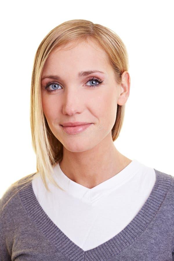 白肤金发的纵向妇女年轻人 图库摄影