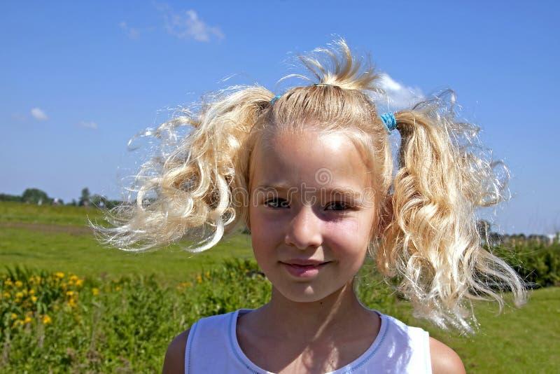白肤金发的荷兰语女孩portait 免版税图库摄影