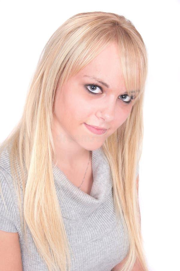 白肤金发的逗人喜爱的女孩 免版税库存图片