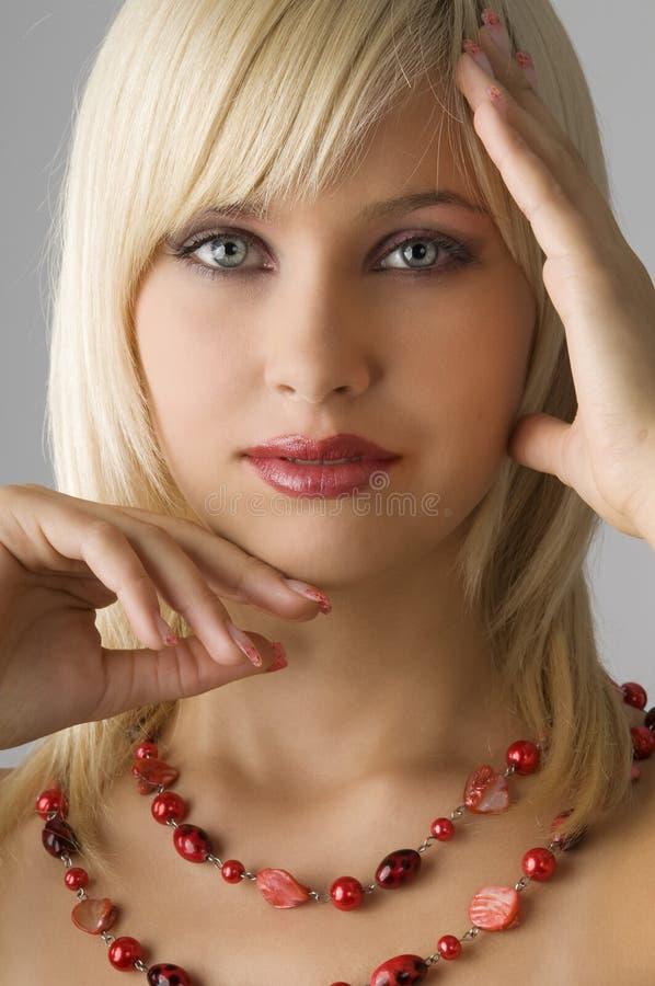白肤金发的项链 免版税库存照片
