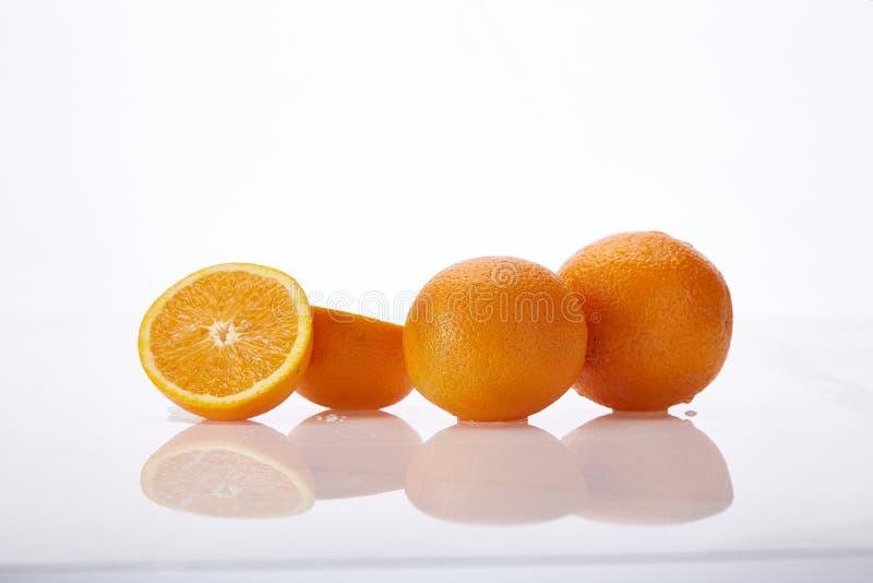 白背景鲜多汁果橙天然有机营养保健食品素新鲜食 库存图片