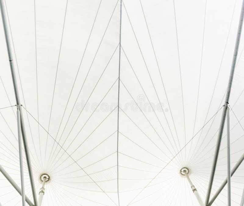 白色乙烯基屋顶结构钢 免版税图库摄影