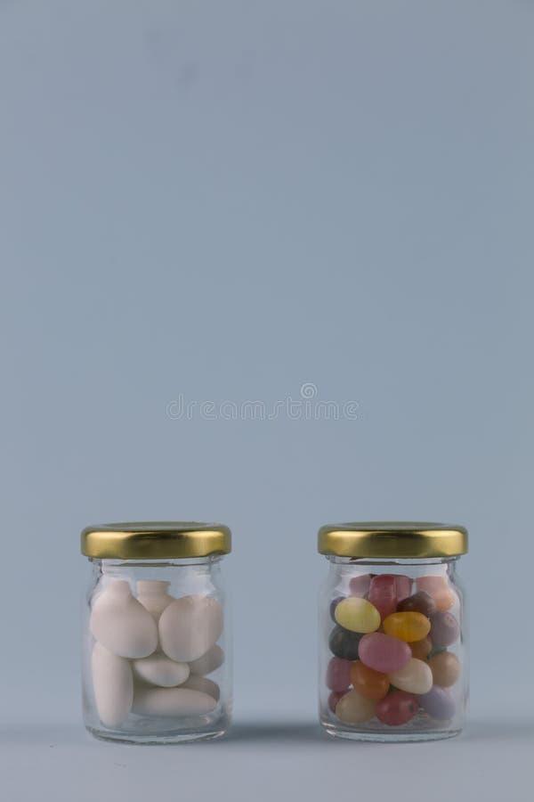 白色加糖的杏仁 图库摄影