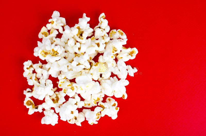 白色和给上釉的玉米花 免版税库存图片