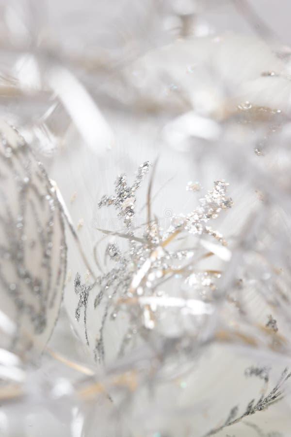 白色和银色圣诞节 图库摄影