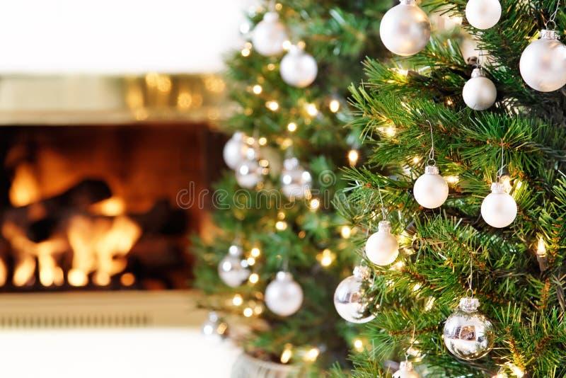白色圣诞节装饰 免版税库存图片