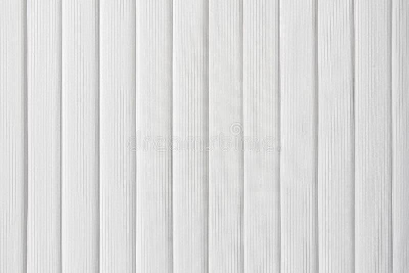 白色垂直窗帘 免版税库存图片