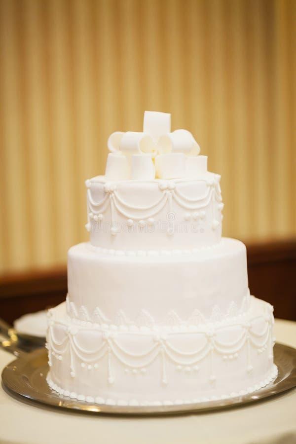 白色婚宴喜饼 免版税库存图片