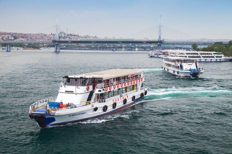 白色客船 伊斯坦布尔,土耳其 免版税库存照片