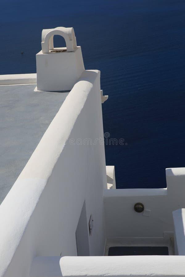 白色房子在Santorini 库存照片