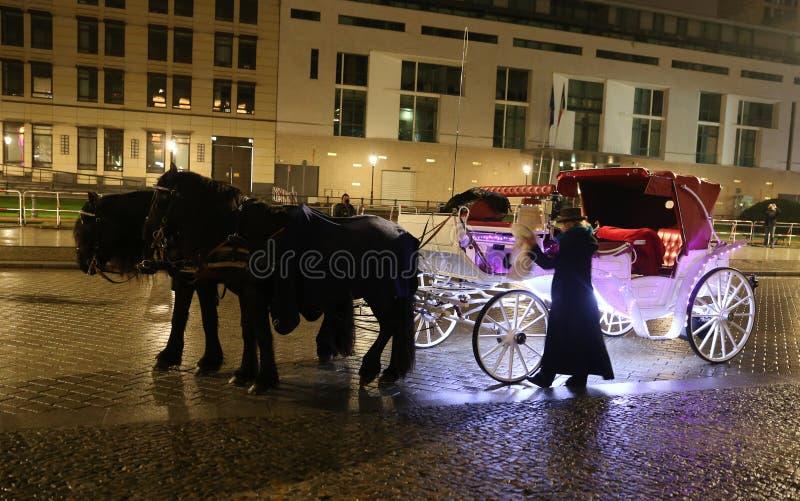 白色教练在Pariser普拉茨,柏林,德国 免版税库存图片