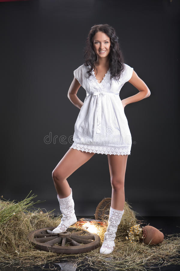 白色服装妇女 免版税库存图片