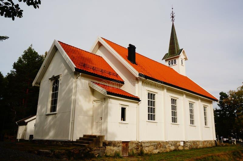 白色木教会女用披肩,泰勒马克郡,挪威 免版税库存图片