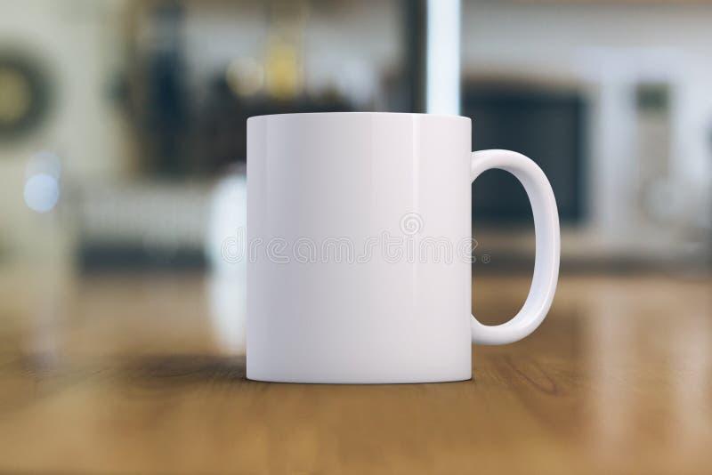 加奶咖啡杯子大模型 一个白色杯子的特写镜头在一张木桌上的 伟大为