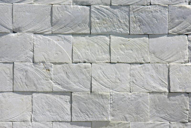 白色板岩砖石头瓦片难看的东西墙壁土气纹理背景 免版税库存图片