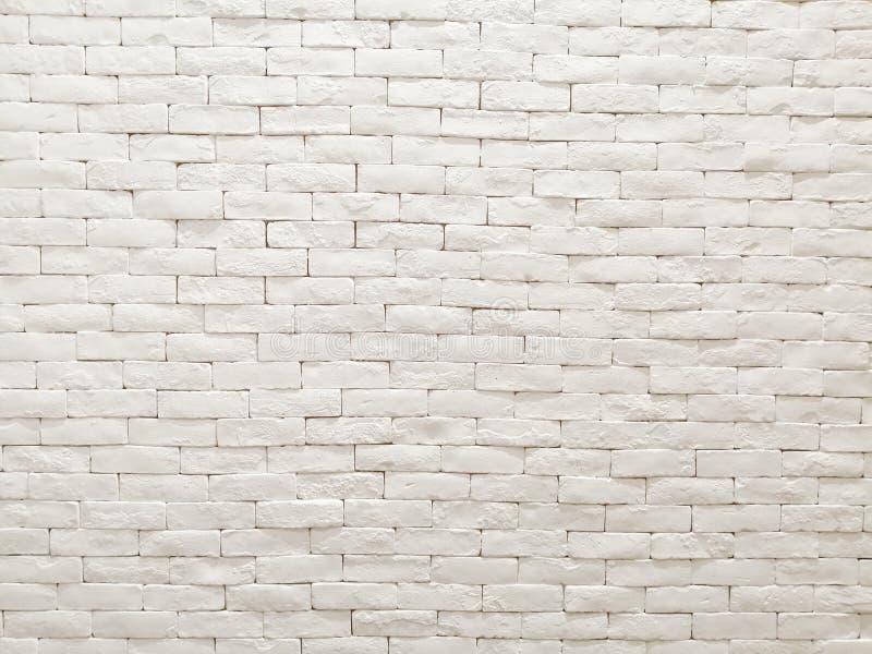 白色样式墙纸、背景和背景的黏土砖墙门面室内设计 库存图片