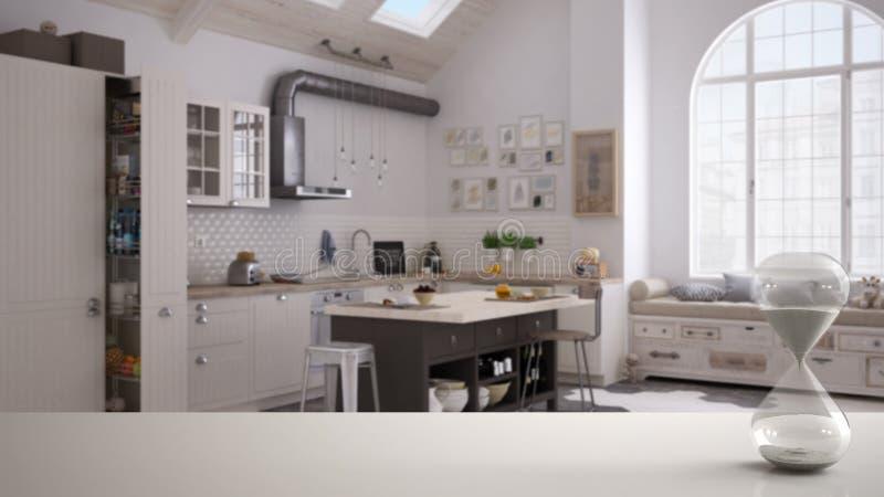 白色桌或架子与测量通过的时间在当代厨房的水晶滴漏斯堪的纳维亚样式的,architectu 免版税库存照片