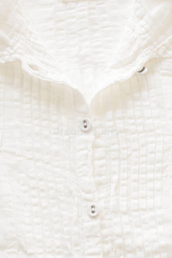 白色棉布衬衣 免版税图库摄影