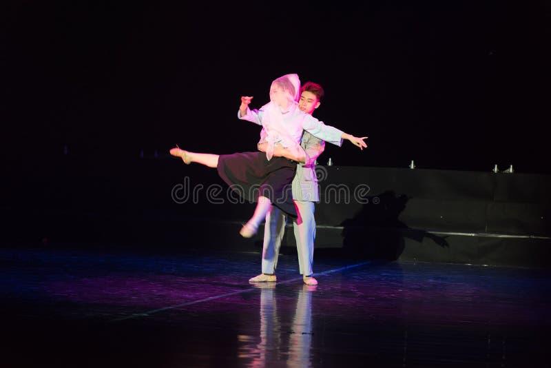 白色毛线Cheongsam 3--舞蹈戏曲驴得到水 库存照片