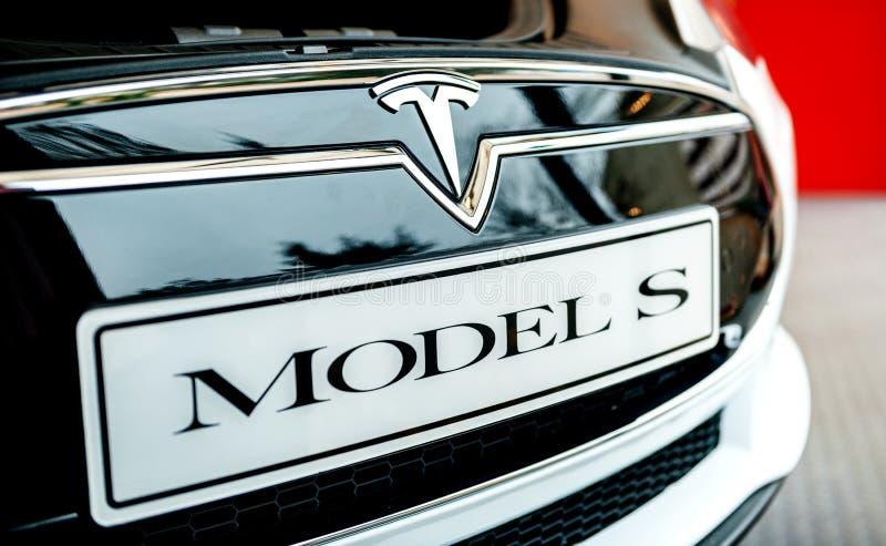 白色特斯拉模型S电车细节 库存图片