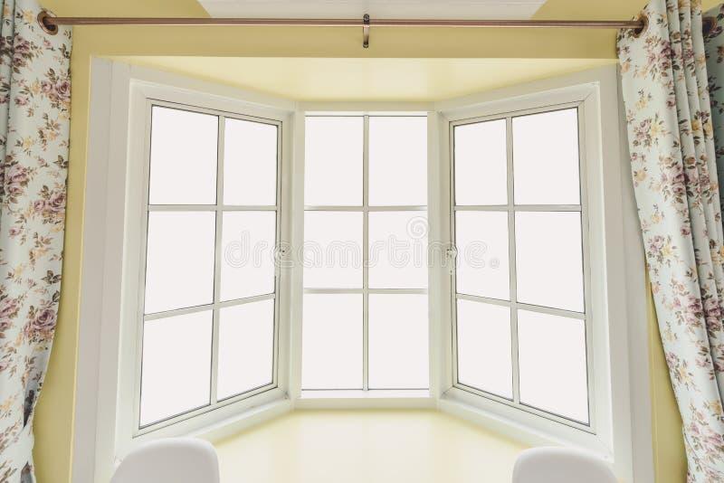 白色现代壁角窗口 免版税库存图片