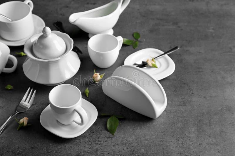 白色瓷茶具 免版税图库摄影