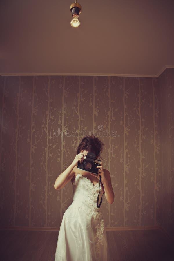 白色的摄影师 免版税库存照片