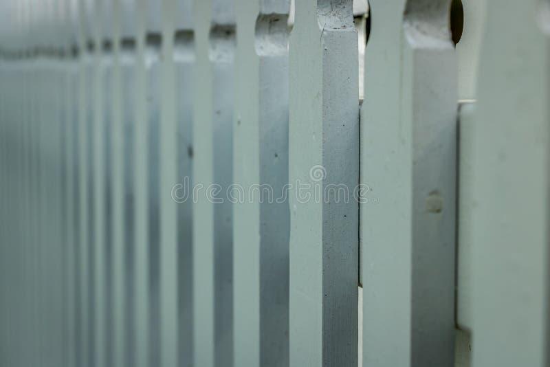 白色皮克特篱芭样式 免版税库存照片