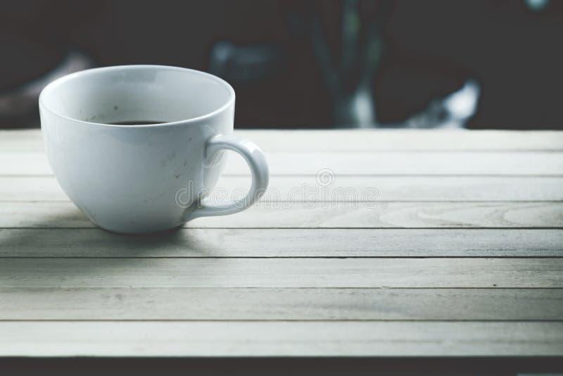 白色盖帽咖啡 库存图片