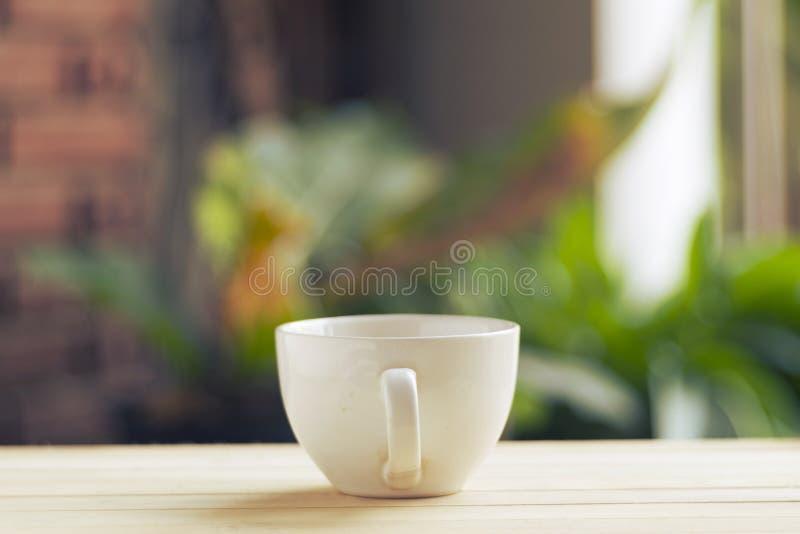 白色盖帽咖啡 图库摄影