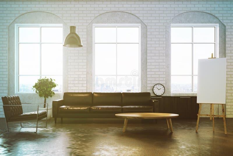 白色砖客厅,被定调子的棕色沙发 皇族释放例证