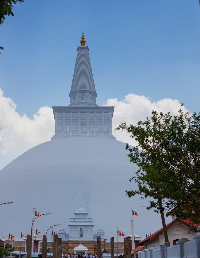 白色神圣的stupa Ruwanmalisaya dagoba在阿努拉德普勒, Sri Lan 库存图片