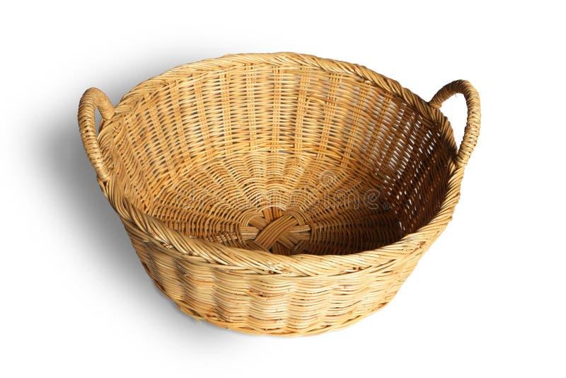 白色背景中的空柳条篮 免版税库存图片