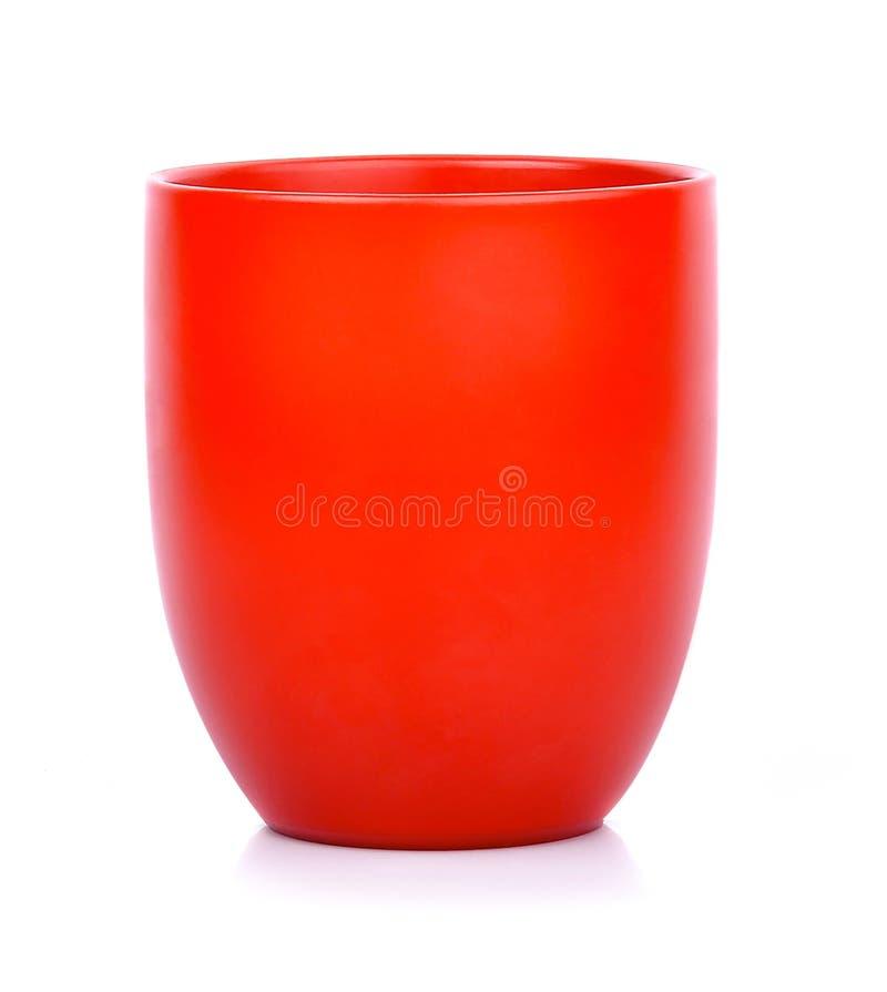 白色背景中突显的红咖啡茶杯 热饮茶杯 免版税库存照片
