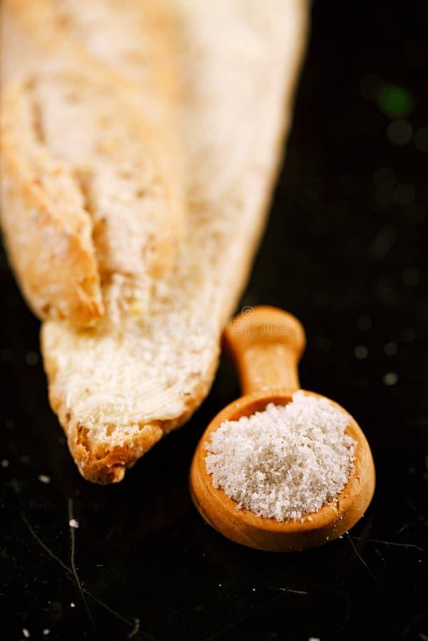 白色蘑菇块菌海盐 库存图片