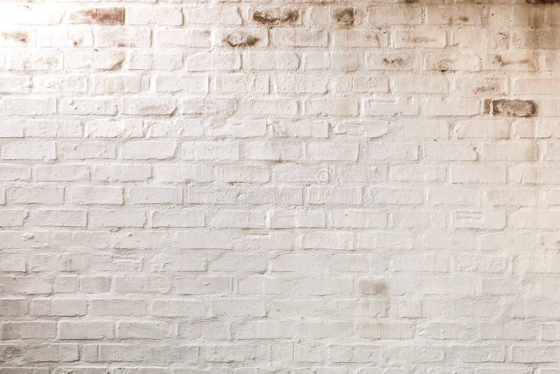 白色被绘的砖墙的抽象构成 免版税库存照片