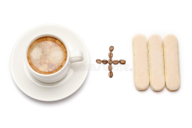 白色陶瓷咖啡加上savoiardi松脆饼曲奇饼 免版税库存图片