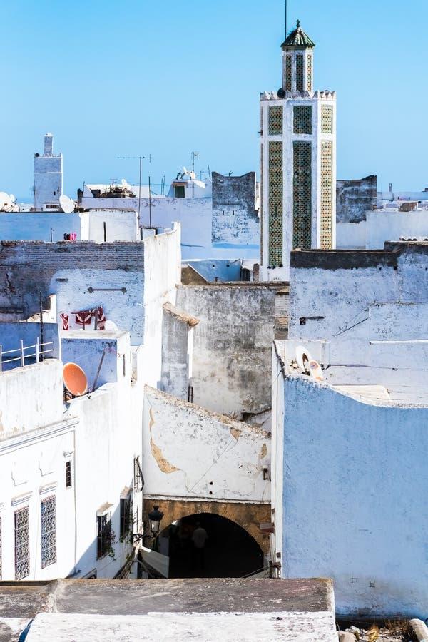 白色麦地那o美丽的景色得土安市,摩洛哥,非洲 免版税库存图片