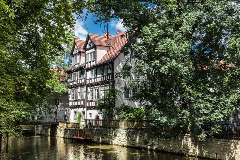 白色fachwerk房子在埃福特,德国 库存照片