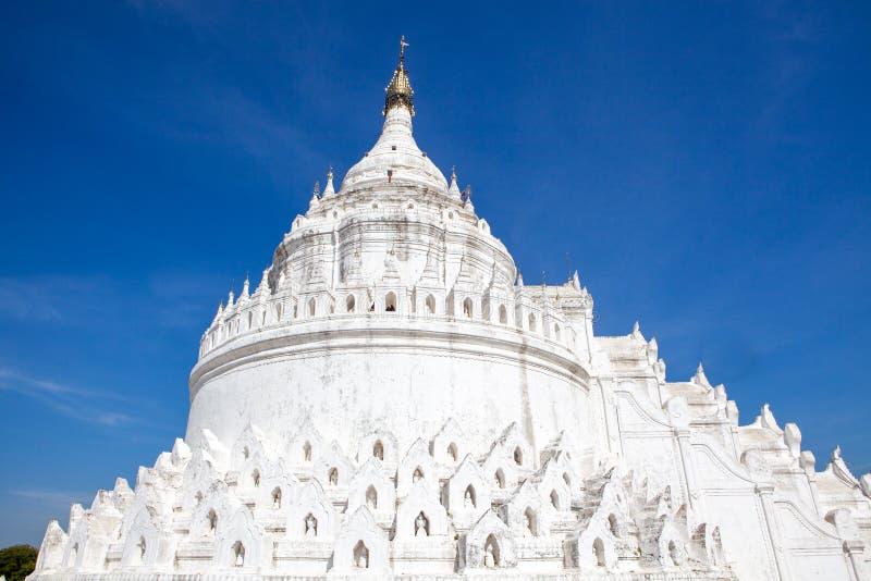 白色Hsinbyume塔寺庙砂海螂Thein丹塔在Mingun,曼德勒,缅甸缅甸 库存图片