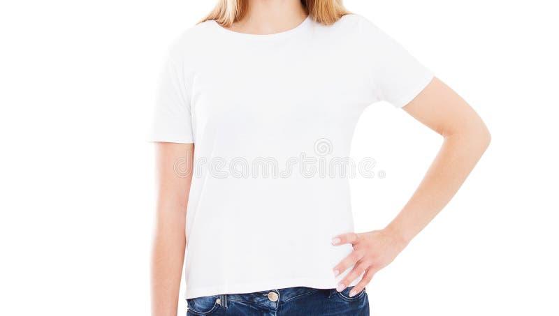 白色T恤杉嘲笑关闭的女孩 免版税库存图片