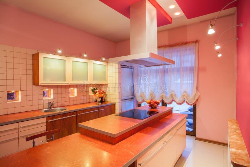 白苋家的厨房工作台面 免版税图库摄影