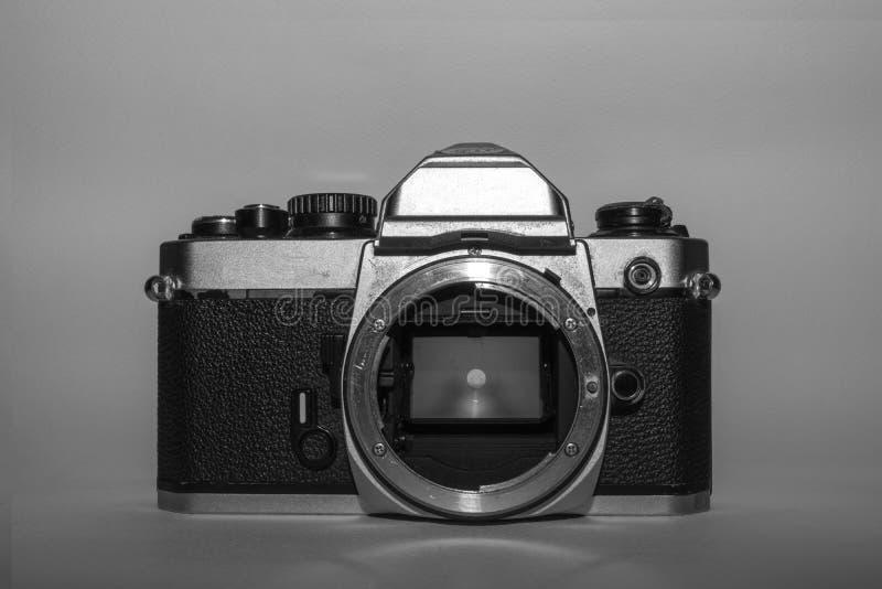 黑白葡萄酒影片照相机 免版税库存图片