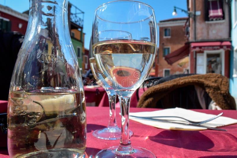 白葡萄酒意大利, burano 库存照片