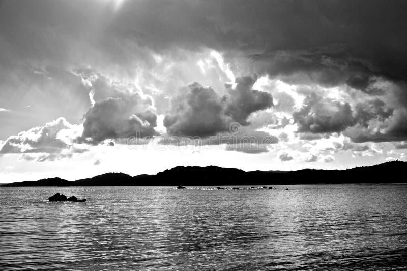 黑白SeaClouds 免版税图库摄影